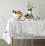 Lưu ngay những cách làm sạch dầu mỡ và vết mốc trên khăn trải bàn